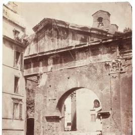 Pescadería vieja en las ruinas del Pórtico de Octavia en Roma