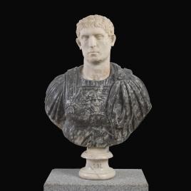 Joven romano, antes llamado Domiciano