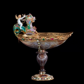 Boat-shaped agate cup with Cupid on a dragon