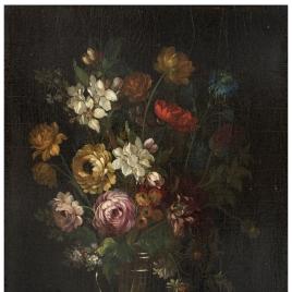 Florero con rosas y otras flores