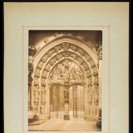 Catedral de Oviedo, puerta del Panteón de los Reyes de Asturias