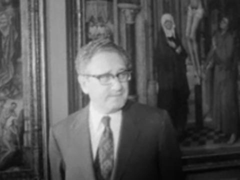 Henry Kissinger visita el Museo del Prado