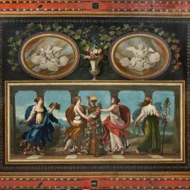 Cuatro ninfas o ménades como las Sacrificantes Borghese y dos amorcillos en óvalos, rodeados de decoración pompeyana
