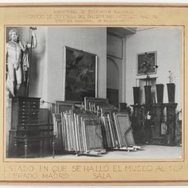Museo del Prado, estado de una de las salas tras la Guerra Civil