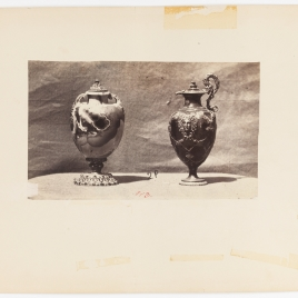 Pomo de ágata con mascarones y pomo con enrejillado y cabeza de Medusa en oro