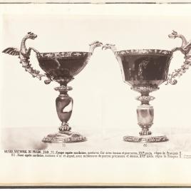 Copa gallonada de sardónice con cabeza de águila y vaso de sardónice con cabeza de águila