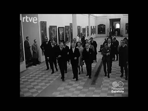 El excanciller Adenauer y su hija visitan el Museo del Prado