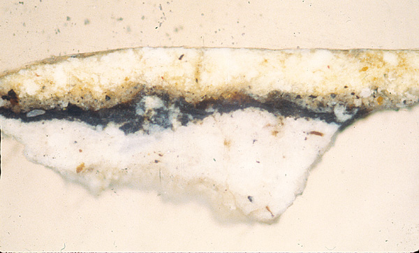 <p><em>Figure 3a</em>. The preparation of white lead, a Vel&aacute;zquez feature after his first trip to Italy, can be seen in this sample of the original area</p>