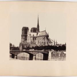 Vista posterior de Notre-Dame con el Pont de l'Archevêché, París