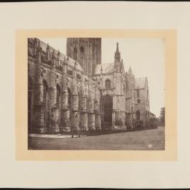 Vista lateral de la catedral de Canterbury