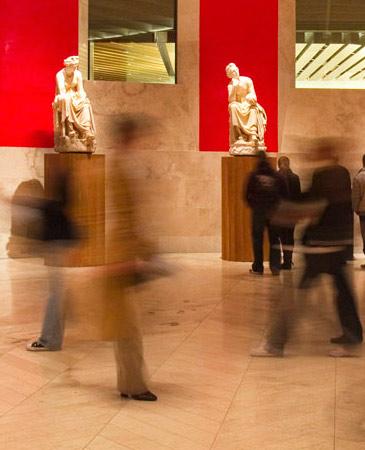 Hijas espléndidas de la Memoria y de Zeus. Las Musas y el Museo