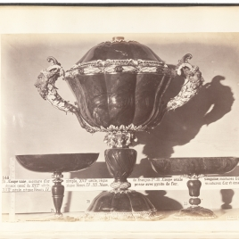 Heliotrope nef, Heliotrope cup with lionesses' heads, Cup in the form of a kneading trough