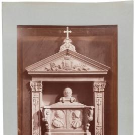 Monumento dedicado a Calixto III y Alejandro VI en la Iglesia de Montserrat en Roma