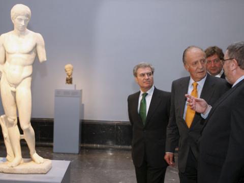 El Rey Juan Carlos inaugura en el Prado la exposición <em>Entre Dioses y hombres</em>