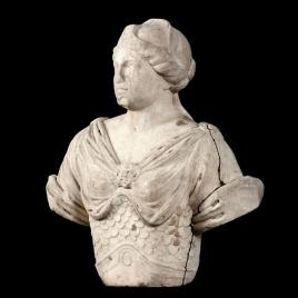 Busto monumental femenino