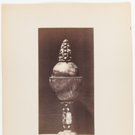 Egg-shaped agate vessel with cameos on the foot, stem and finial
