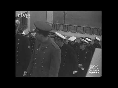 Cadetes argentinos de aviación en el Museo del Prado