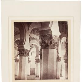 Interior de Santa María la Blanca de Toledo