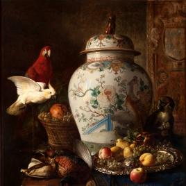 Un tibor japonés, frutas y animales