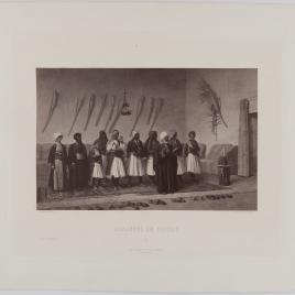 Albaneses rezando