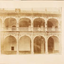 Patio del Colegio de Santiago en Salamanca