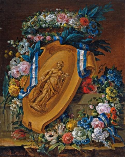 Guirnalda de flores con motivo escultórico