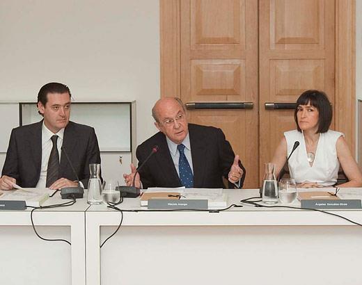 La ministra de Cultura, Ángeles González-Sinde, preside por primera vez el Pleno del Real Patronato del Museo